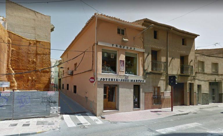 Local en Villena cerca Plaza del Rollo